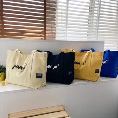 กระเป๋าทรงกระสอบ บรรจุของได้เยอะ ทรงสี่เหลี่ยมผืนผ้ามี 5 สี