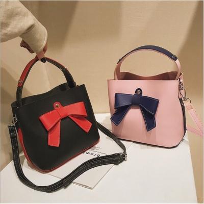 กระเป๋าสะพายข้างแนวเกาหลีมีโบว์  มี 2 สี
