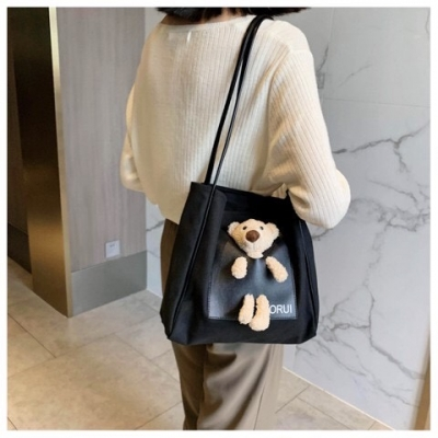 กระเป๋าสะพายข้างน้องหมี มี 3 สี สไตล์เกาหลี