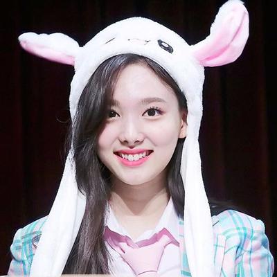 หมวกกระต่าย ขยับหูได้แบบนายอน ไม่มีไฟ