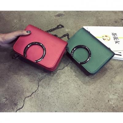 กระเป๋าทรงครึ่งวงกลม  กะทัดรัด มี 3 สี