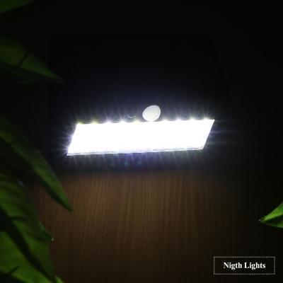 โคมไฟโซลาเซลล์ LED 30 หลอด