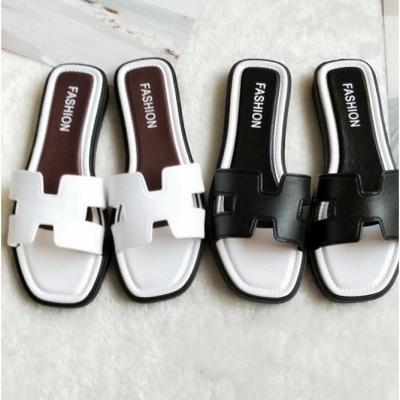 รองเท้าแตะแบบสวม ทรงไฮโซ มี 5 size 2 สี